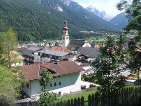 オーストリアのシュトゥーバイタールはお花で溢れる村とハイキングルートの宝庫!