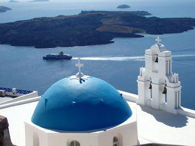 紺碧のエーゲ海に沈む夕日だけでないサントリーニ島!