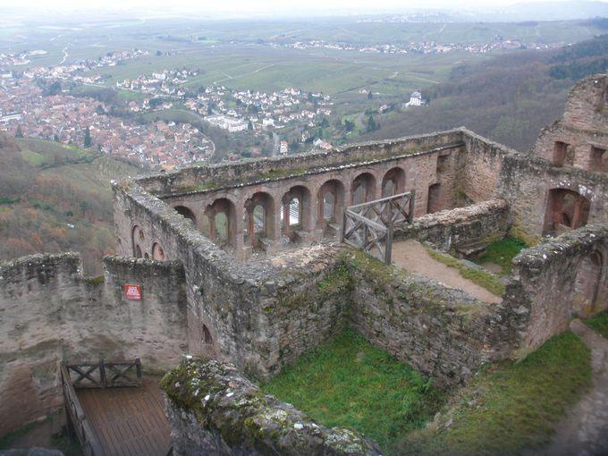 アルザス地方を見渡すリボーヴィレの古城へ!