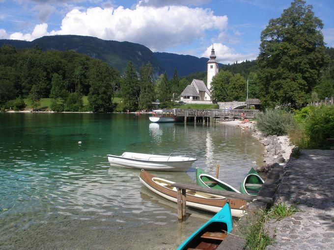 幻想的な美しさのボーヒン湖畔で寛ぐひととき
