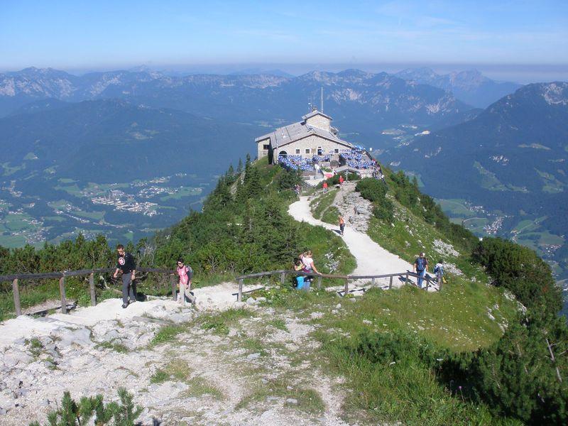 絶景を一望するヒトラーの山荘!ドイツ「ケールシュタインハウス」