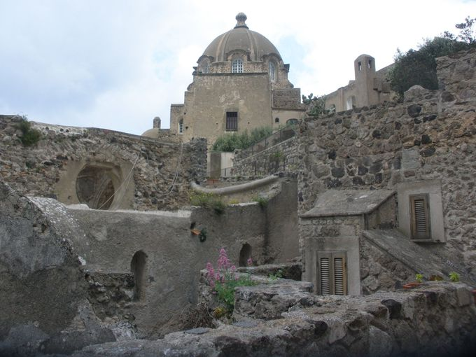 要塞として歴史が始まったお城の現在は・・・