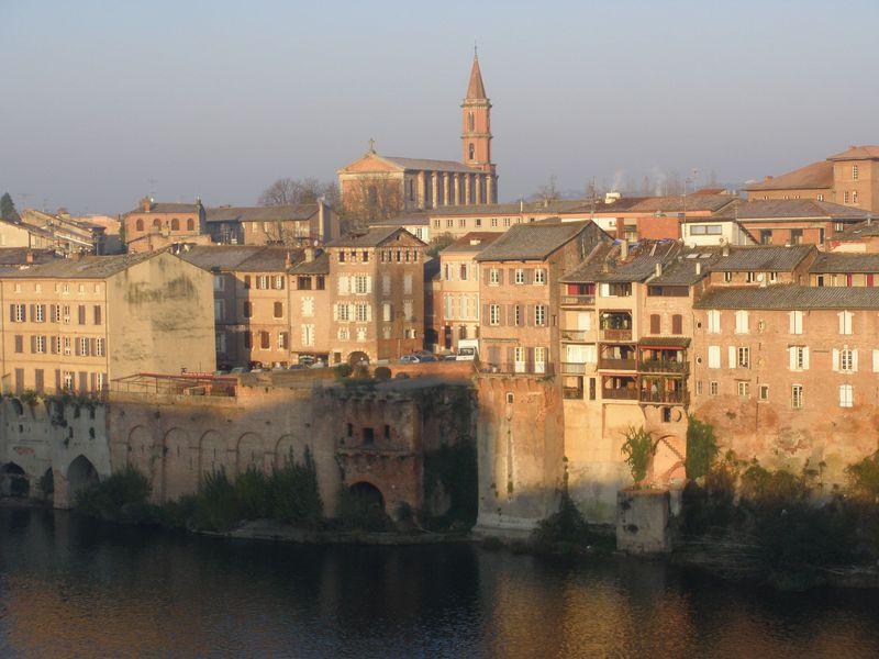 南西フランスのアルビ!煉瓦造りの家並みが美しい中世の町