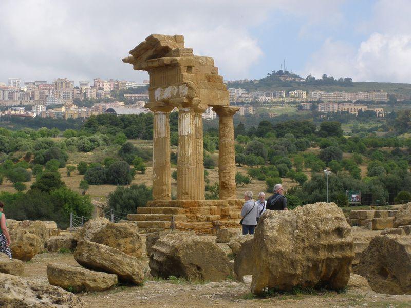 壮大な神殿群は必見!南イタリア・シチリア島「アグリジェント」