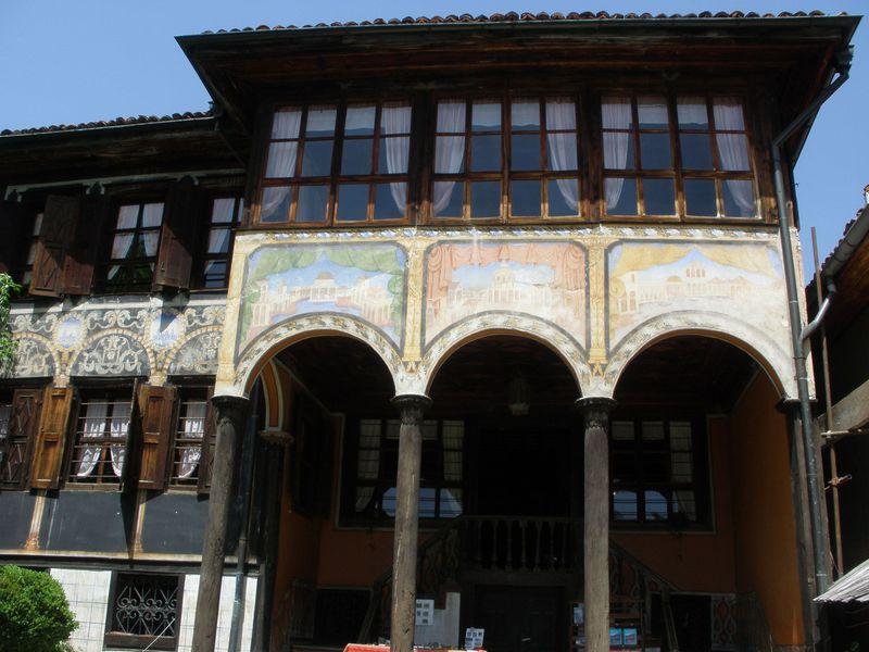 ブルガリア初の「美術館都市」!コプリフシティッツァに残る美しいお屋敷たち