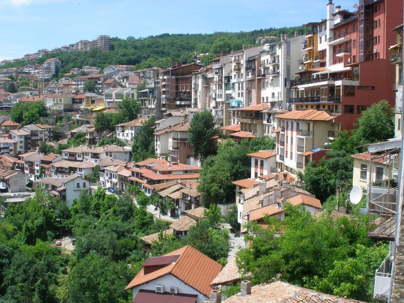 急斜面に美しい町並みが残る旧市街
