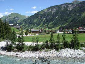 王侯貴族も訪れる高級リゾート地・レッヒ!オーストリアの大自然を満喫しよう!