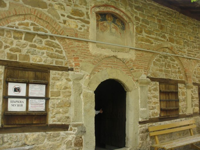 アルバナシ最古のブルガリア正教会・聖誕教会