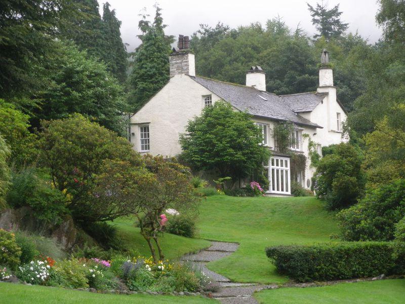 緑に包まれた湖水地方は、自然の宝庫!詩人を育てたイギリスで最も美しい田園風景