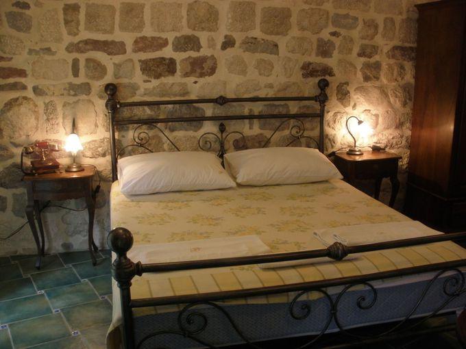 中世の雰囲気を味わえるお部屋