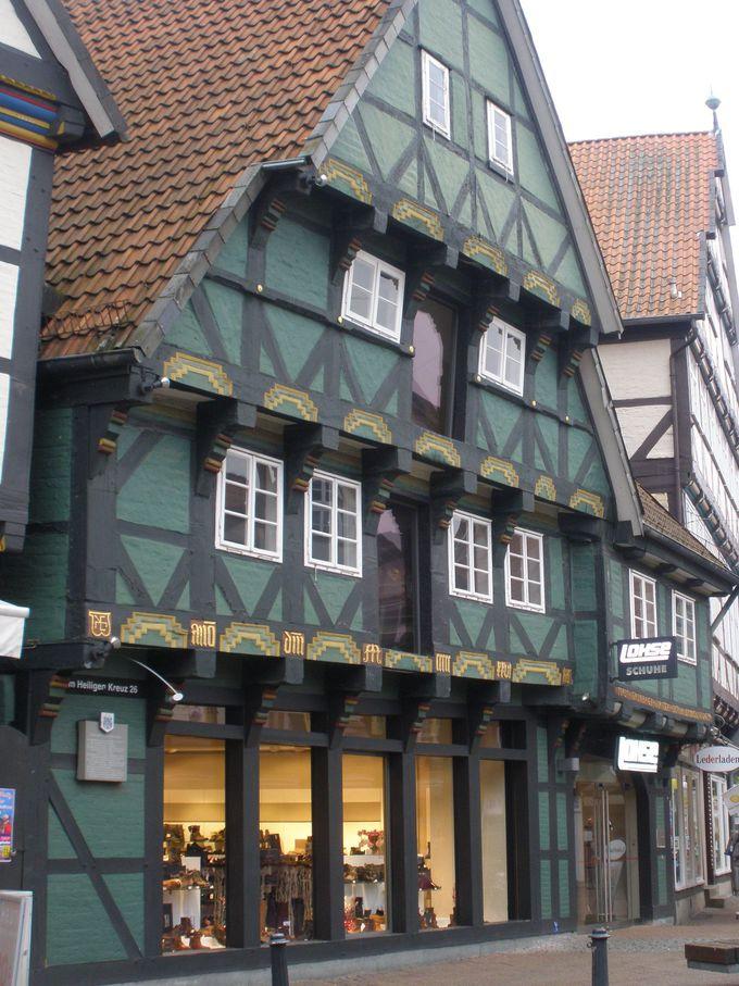 ツェレで最古の木組みは、ハイリゲンクロイツ通り26番地