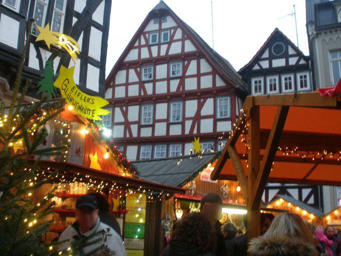 マルクト広場のクリスマスマーケット