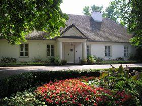 大作曲家ショパンの生家へ!ポーランド「ジェラゾヴァ・ヴォラ」でピアノコンサート