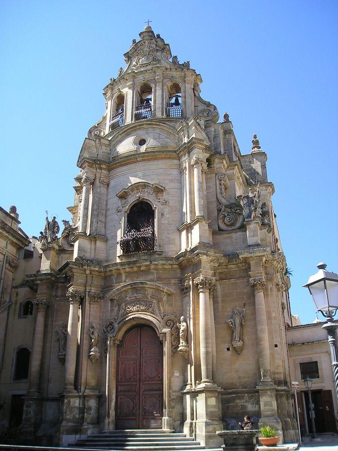 数々のバロック様式の教会