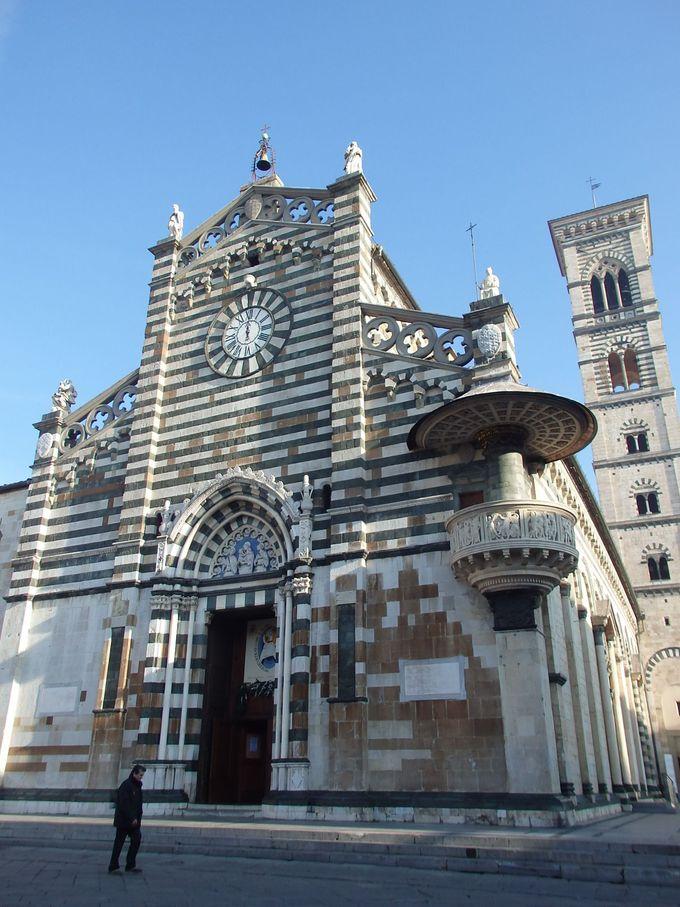 ピサ・ルッカ風のロマネスク教会・ドゥオーモ