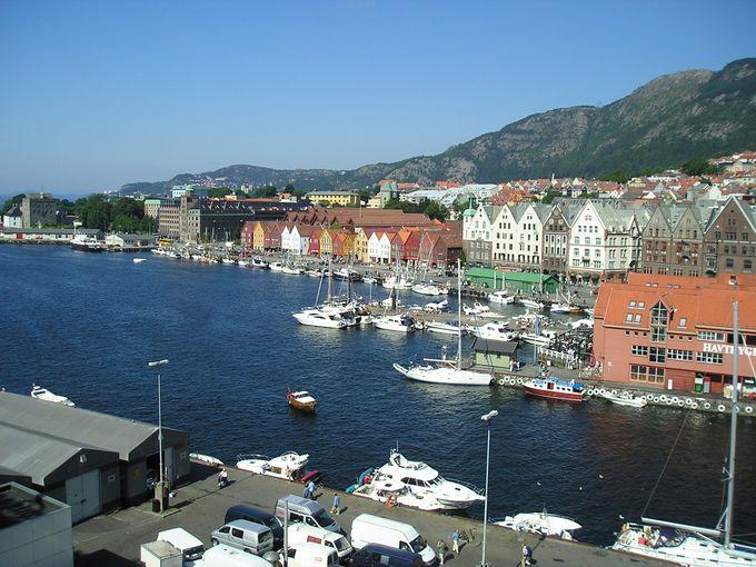 町の中心地ベルゲン港は移動の重要地