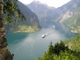 雄大な自然を全身で感じる!ノルウェーの観光スポット10選