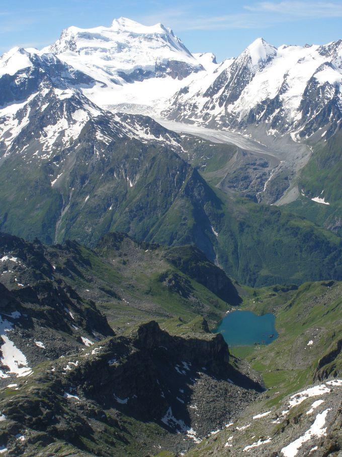 4000メートル級の名峰たちのパノラマをたっぷり楽しもう!