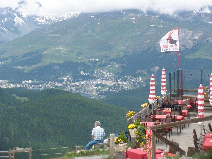 アルプ・ランカルトの山上レストランからの眺めも最高!