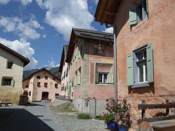 「スイスの美しい村」は野外歴史博物館のよう!