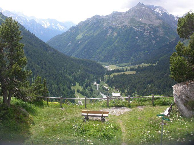 エンガディンやブレガリアの谷を見渡す展望台