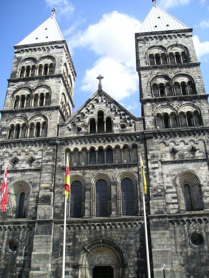 ルンドの顔「大聖堂」は美しい総石造りのロマネスク様式の建築