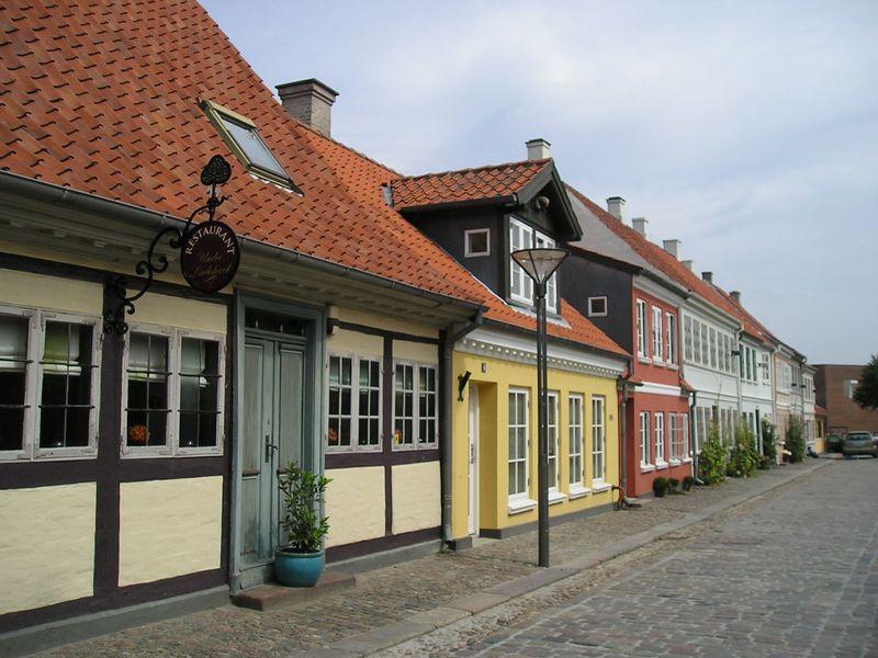 童話の世界にようこそ!アンデルセン縁の町「オーデンセ」デンマーク・フュン島の見どころ