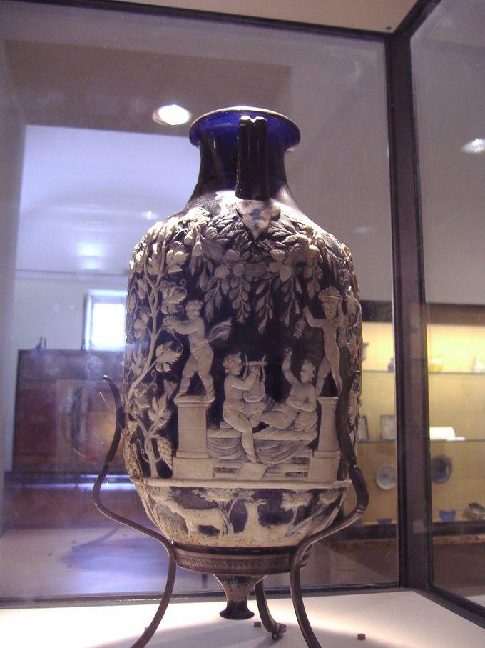 見逃せないローマン・グラス「青いガラスの壺」