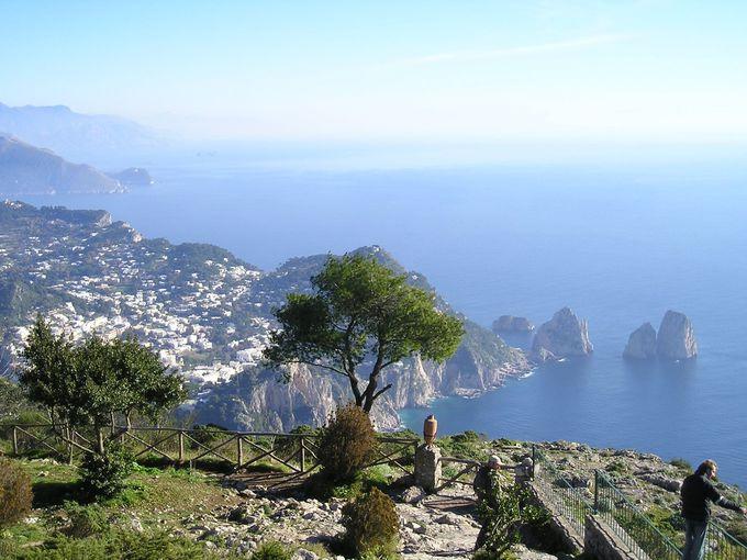 カプリ島で一番高い標高のソラーロ山へ!