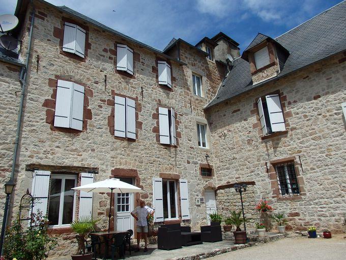 広大な敷地のお宿は、400年前の修道院の建物を利用