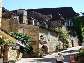 町全体が建築博物館!仏・ペリゴール地方の町「サルラ」はグルメの里