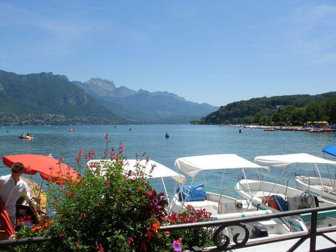 ヨーロッパで最も透明度が高い湖「アヌシー湖」