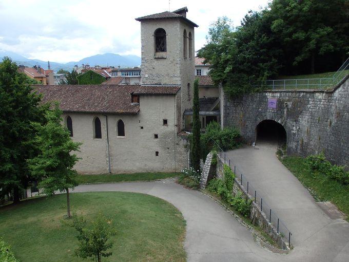 考古学博物館となっている「サン・ローラン教会」