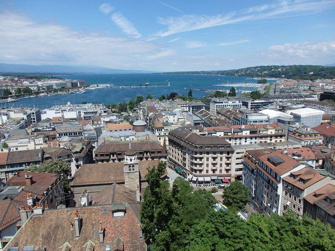 北塔の上からはジュネーヴ市内もレマン湖も一望のもと!
