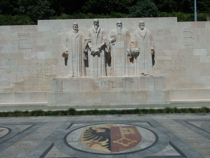バスティオン公園の一角に佇む「宗教改革記念碑」