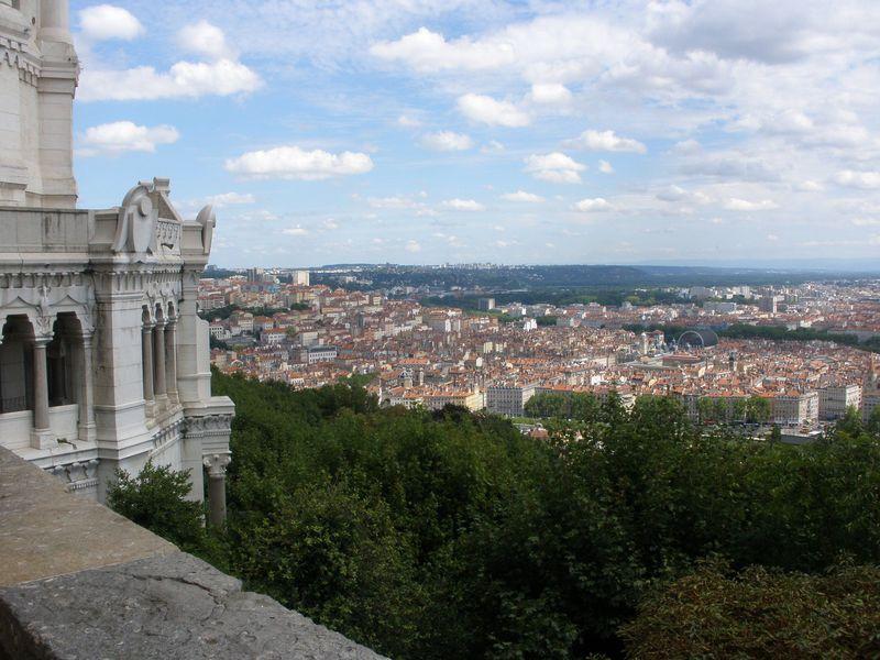 塔の展望台や隣の展望所からも眺望が素晴らしい!