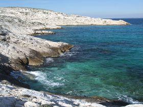 南仏マルセイユから訪れる自然と城跡の世界!最後の楽園「フリウル島」