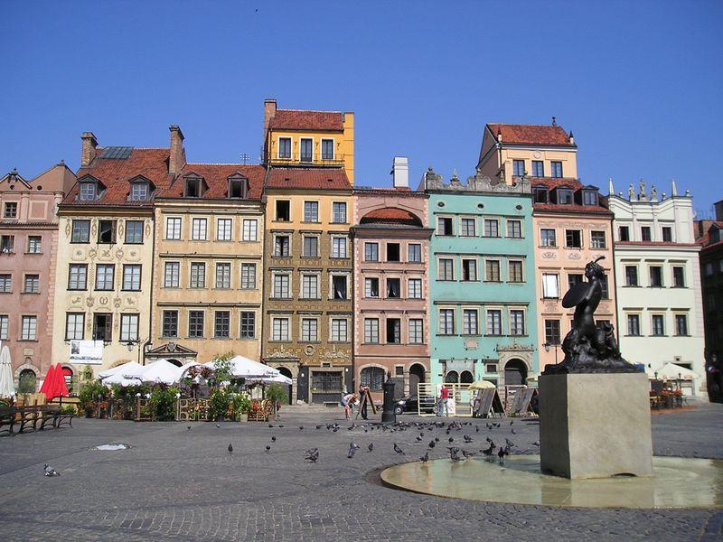 悲劇の歴史から復興!ポーランドの世界遺産ワルシャワの魅力ある観光スポット