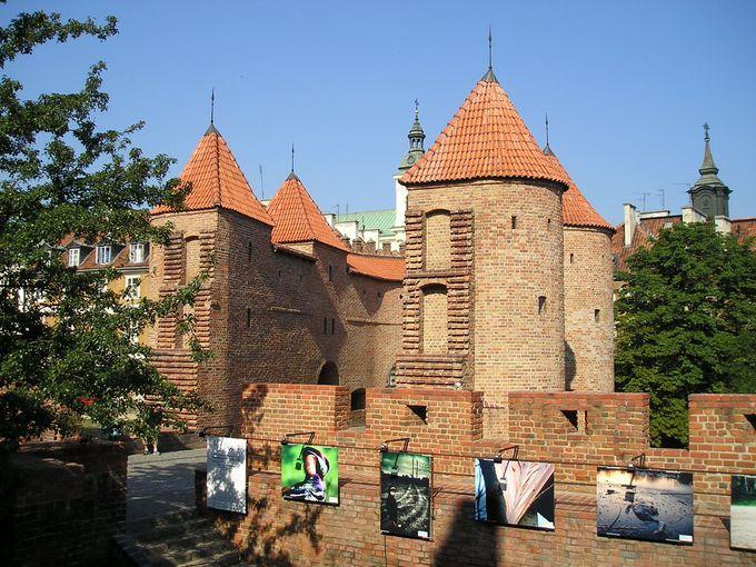 バロック様式の砦「バルバカン」