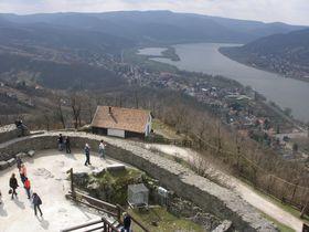 要塞からドナウ川の曲がり角を一望!ハンガリー「ヴィシェグラード」