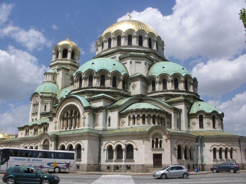 ヨーロッパでありながらアジアの雰囲気も!ブルガリアの首都ソフィアの歴史的建造物と観光スポット