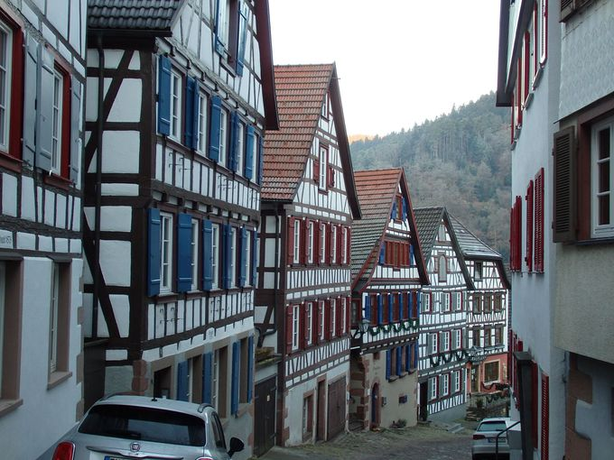 キンツィヒ川沿いのシルタッハ、堂々たる木組みがズラリと並ぶ町並み