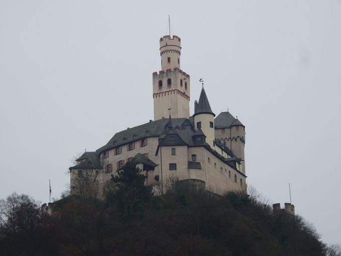 マルクスブルグ城麓のブラウバッハ