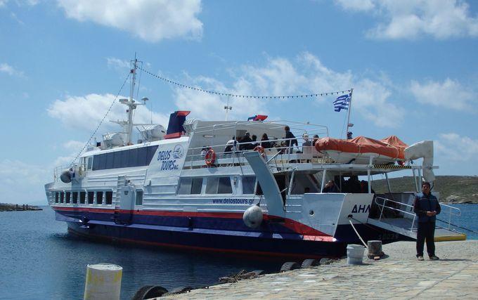 ディロス島へは、ミコノス島から日帰りで