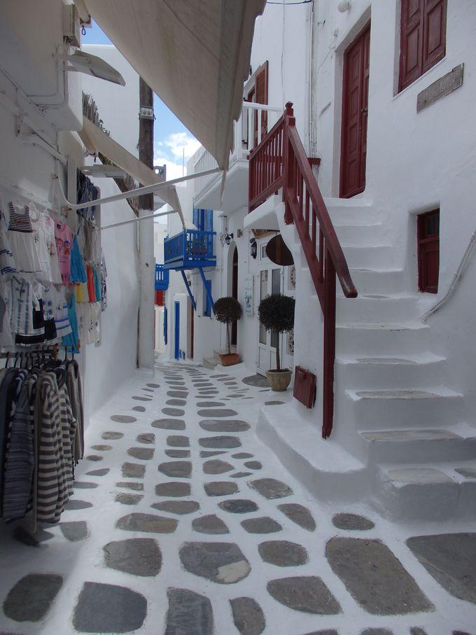 紺碧の海に囲まれた白い町並み・ミコノス・タウン