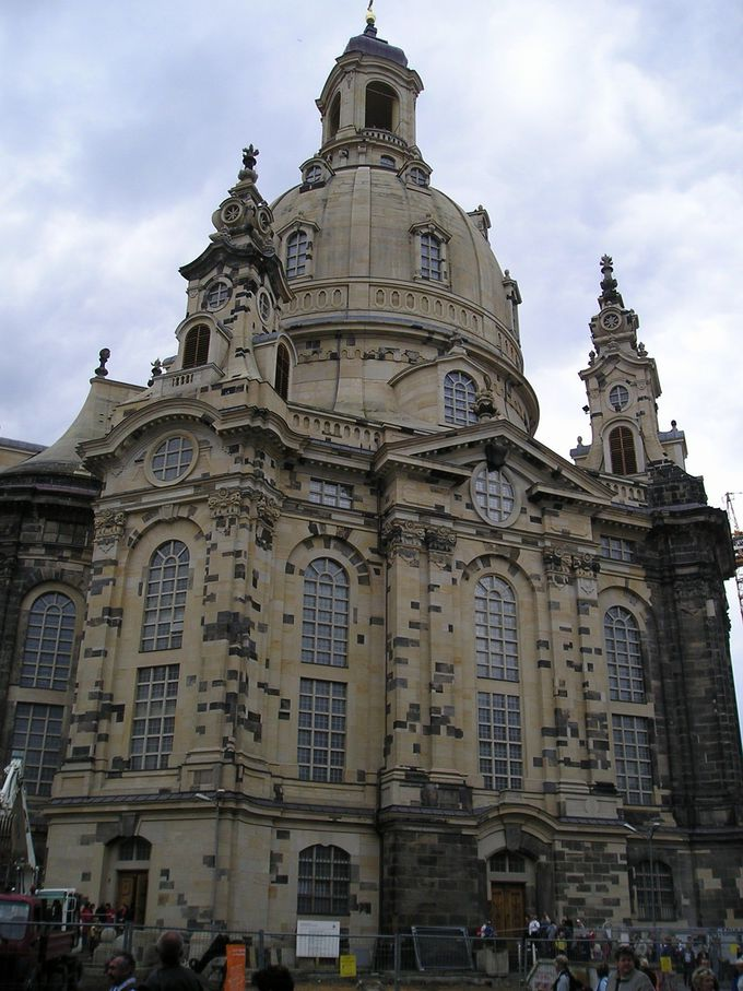 完全復元のフラウエン教会