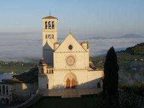 伊・世界遺産の町アッシジ!最大の見所「サン・フランチェスコ聖堂」
