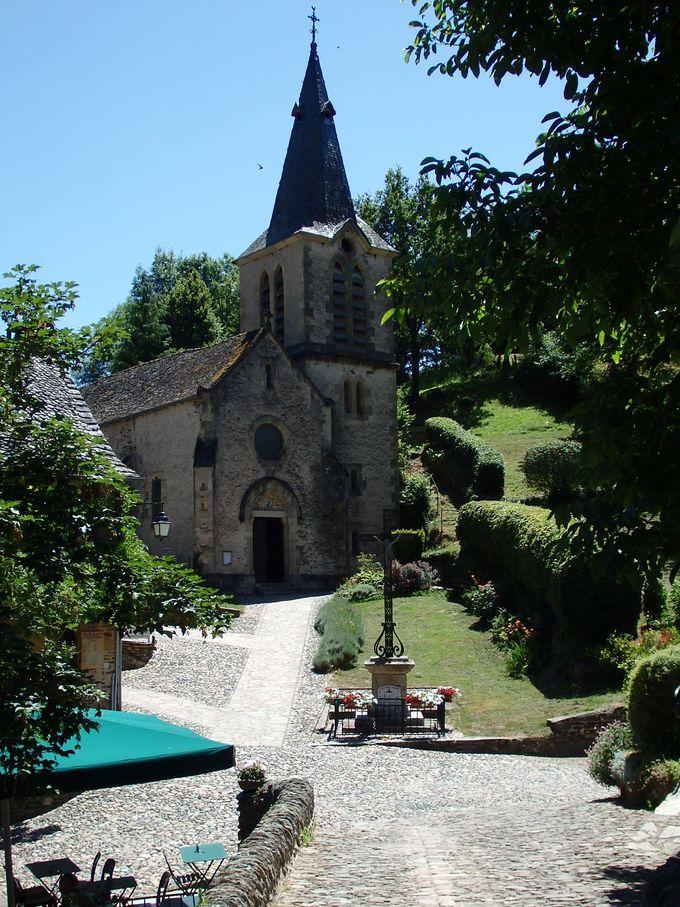 川の対岸の教会