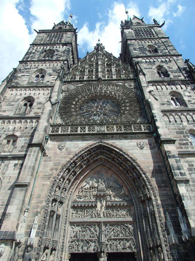 町のシンボル「聖ローレンツ教会」