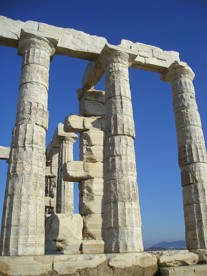 岬の先端に佇むポセイドン神殿